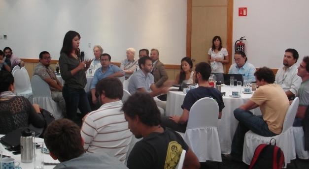 Jade presenting in La Paz